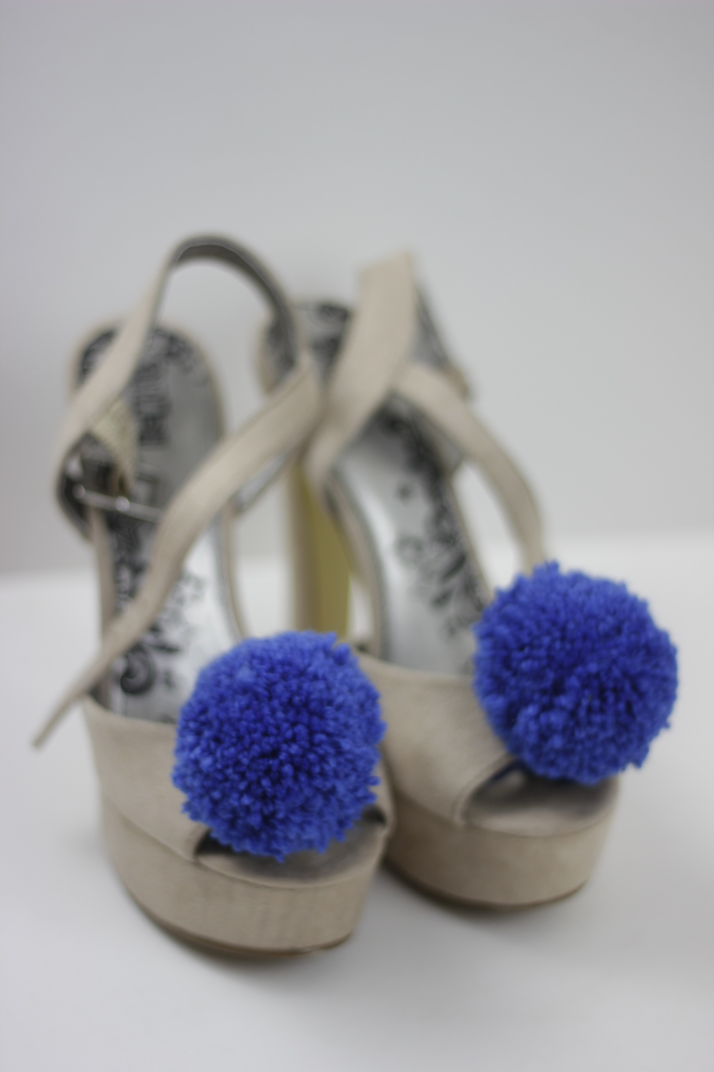 my DIY pom pom shoes